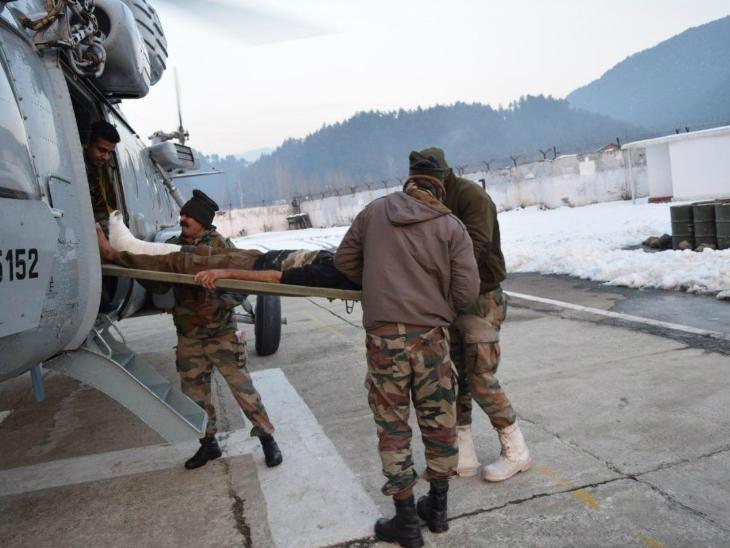 सेना और IAF ने तंगधार से 7 मरीजों को एयर लिफ्ट किया, 3 दिनों से हो रही भारी बर्फबारी में फंसे हुए थे