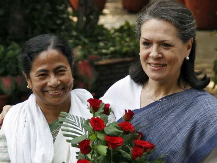 2009 के लोकसभा चुनाव में ममता ने कांग्रेस के साथ गठबंधन किया था। वो सरकार में भी शामिल हुईं लेकिन 2011 में अलग हो गईं। - फाइल फोटो
