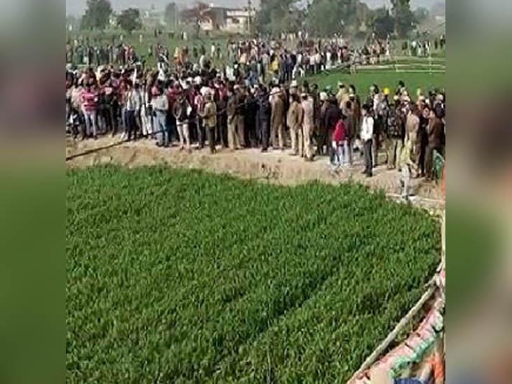 पुलिस ने रोकने की कोशिश में आंसू गैस और पानी की बौछार छोड़ी तो इस तरह खेतों के रासते उमड़ा था प्रदर्शनकारियों का हुजूम।