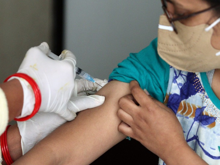 कल कई राज्यों में पहुंच जाएगी वैक्सीन की पहली खेप; केरल में तेजी से केस बढ़ने के बाद केंद्र की टीम पहुंची
