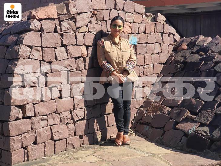 ये पत्थरों का कितना सुंदर भारत भवन में कारीगरी का नमूना है।
