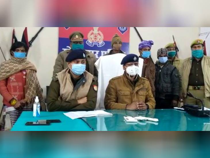 संपत्ति के लालच में रेता गया था बुजुर्ग का गला; उनकी प्रेमिका समेत 3 आरोपी गिरफ्तार|गोरखपुर,Gorakhpur - Dainik Bhaskar