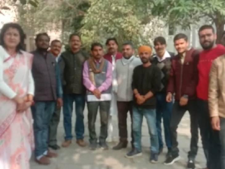 हिंदूवादी संगठनों ने किया प्रदर्शन।