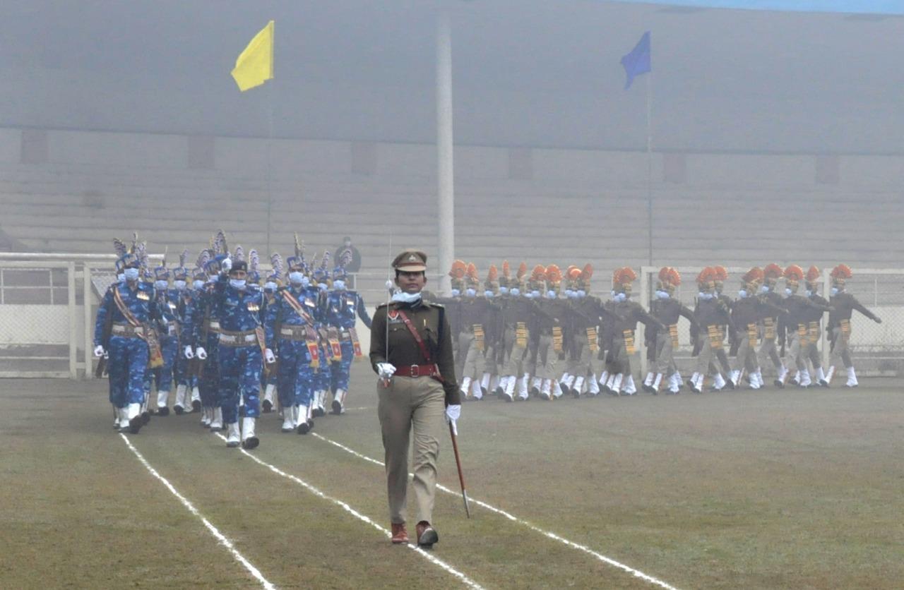 गणतंत्र दिवस समारोह के दौरान मार्च पास्ट की अगुवाई करती IPS ज्योति यादव।