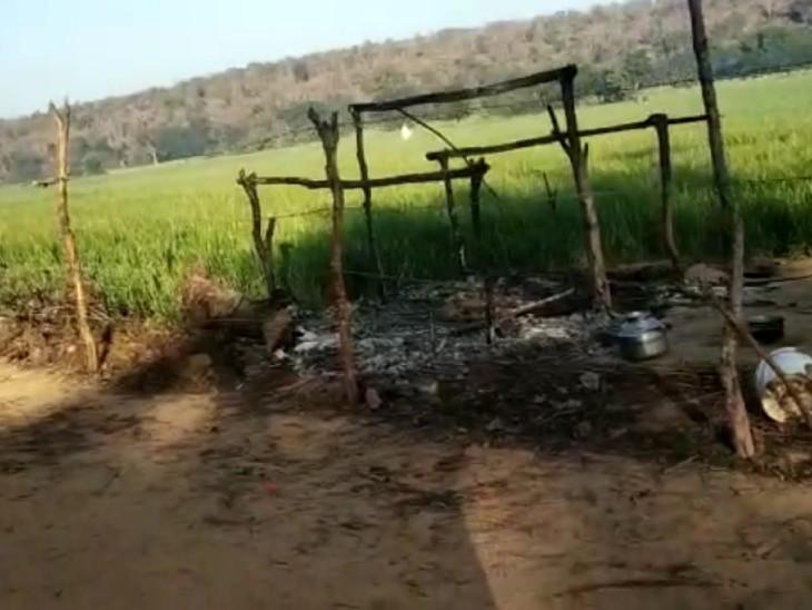 मरने से पहले बेटी ने मां और बहन की बचाई जान, भाई को बचाते समय दोनों की जलकर मौत|झांसी,Jhansi - Dainik Bhaskar