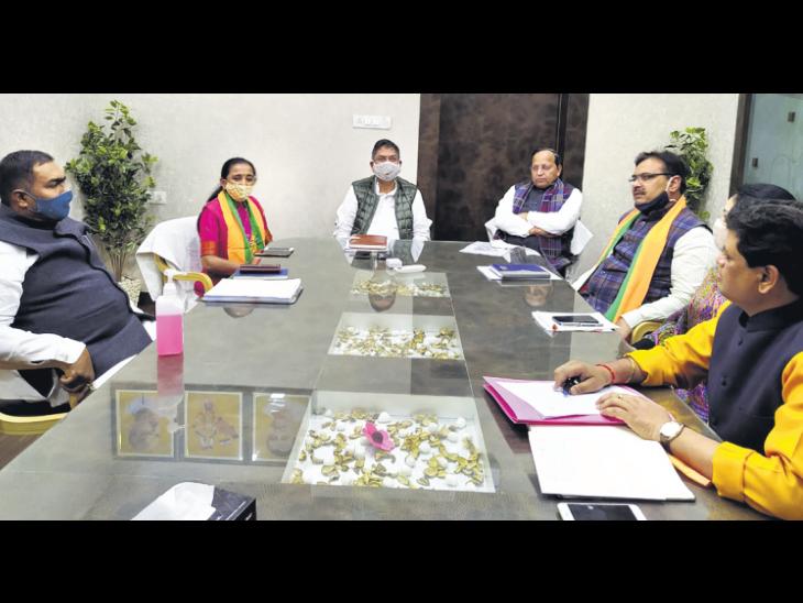 पार्टी के साथ भितरघात करने वाले नेताओं के मामले में भाजपा प्रदेशाध्यक्ष पूनियां बोले, खिलाफत करने वालों पर निकाय चुनाव के बाद हाेगी कार्रवाई जयपुर,Jaipur - Dainik Bhaskar