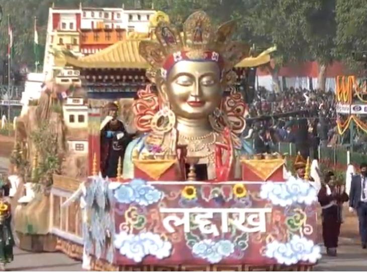 केंद्र शासित प्रदेश (UT) का दर्जा प्राप्त होने के बाद लद्दाख की पहली झांकी रिपब्लिक डे परेड में शामिल हुई। इसमें राज्य की संस्कृति और विरासत को दिखाया गया था।