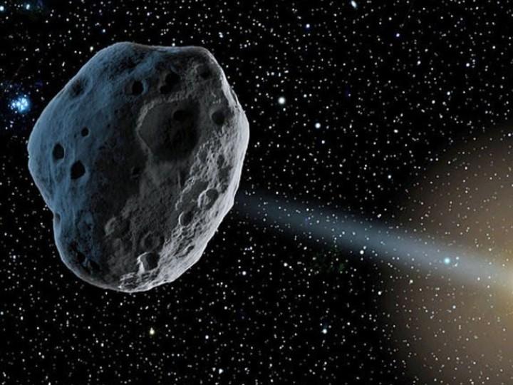 प्रपल्जन लेबोरेटरी हर 6 महीने में स्पेस की कई तस्वीरें जारी करती है और उसमें दिखाई देने वाले उल्का पिंड की पहचान करने का चैलेंज देती है।