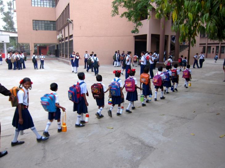 उत्तर प्रदेश में 6 से 8 तक के लिए 10 फरवरी और 1 से 5 तक के लिए 1 मार्च से फिर शुरू होंगे स्कूल करिअर,Career - Dainik Bhaskar
