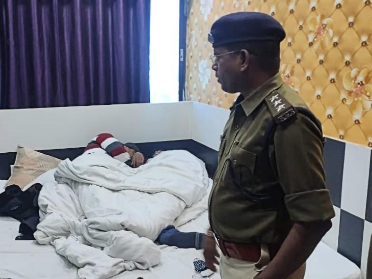सेंट्रल पार्क होटल के रूम नंबर 301 से मिली 2 लाशें; युवती की मांग, युवक की कनपटी पर लगी हैं गोलियां|बिहार,Bihar - Dainik Bhaskar