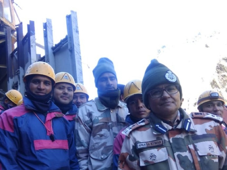 Aparna with ITBP and NDRF personnel engaged in rescue operation.