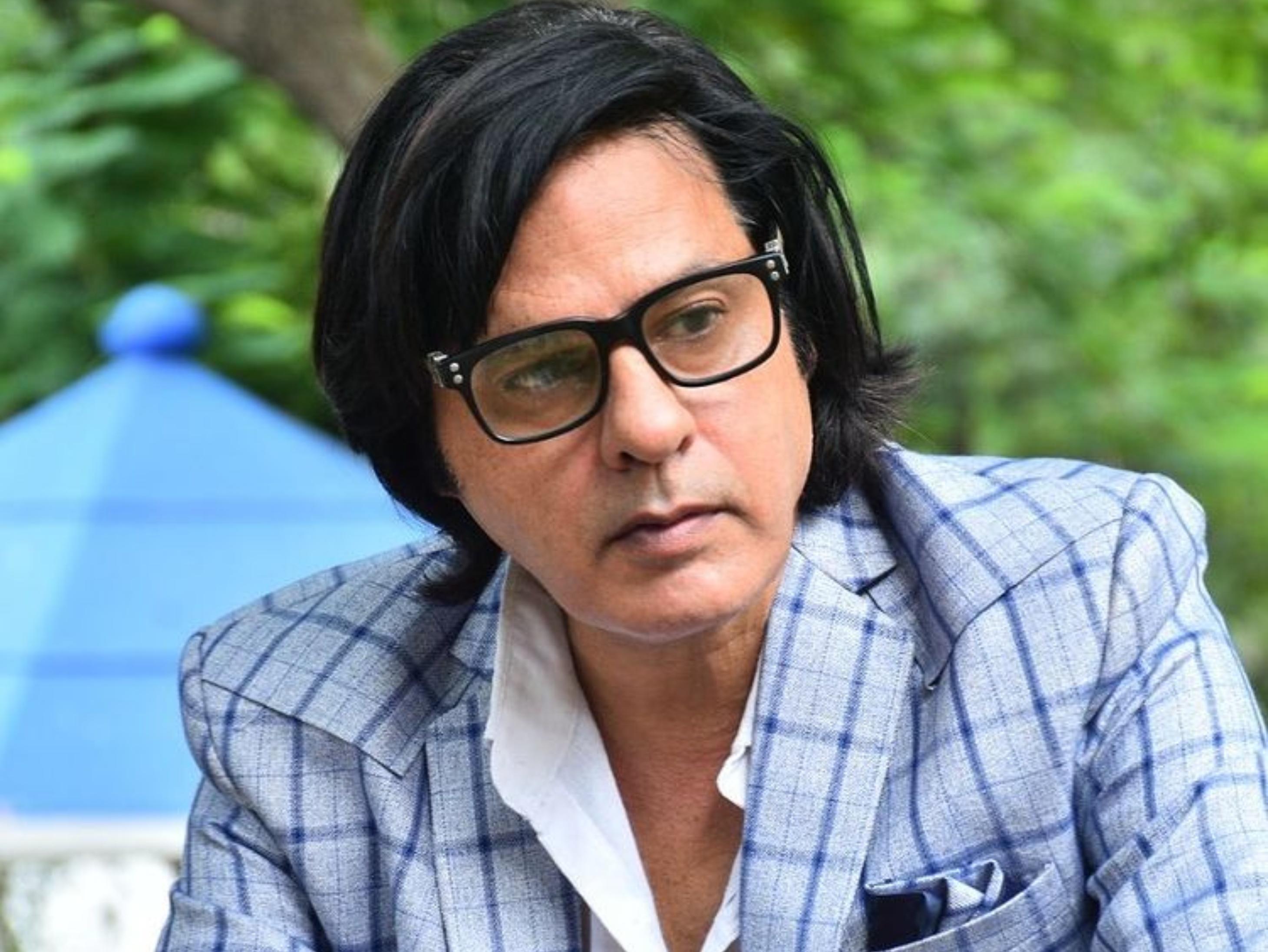 जल्द से जल्द काम पर लौटना चाहते हैं राहुल रॉय, जीजा रोमीर ने बताया स्पीच क्लियर करने चल रही है थैरेपी|बॉलीवुड,Bollywood - Dainik Bhaskar