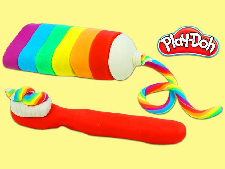 प्ले-डोह खिलौनों का एक सेट होता है, इसमें सैंड यानी मिट्टी जैसा एक मैटेरियल होता है, जिसे किसी भी आकार में ढाला जा सकता है। इसमें बच्चों के सामने एक टास्क होता है कि कुछ बनाकर उसे सेफ रखना। टास्क आसानी से पूरा नहीं होता जिससे बच्चे काफी डी-मोटिवेट हो जाते हैं।