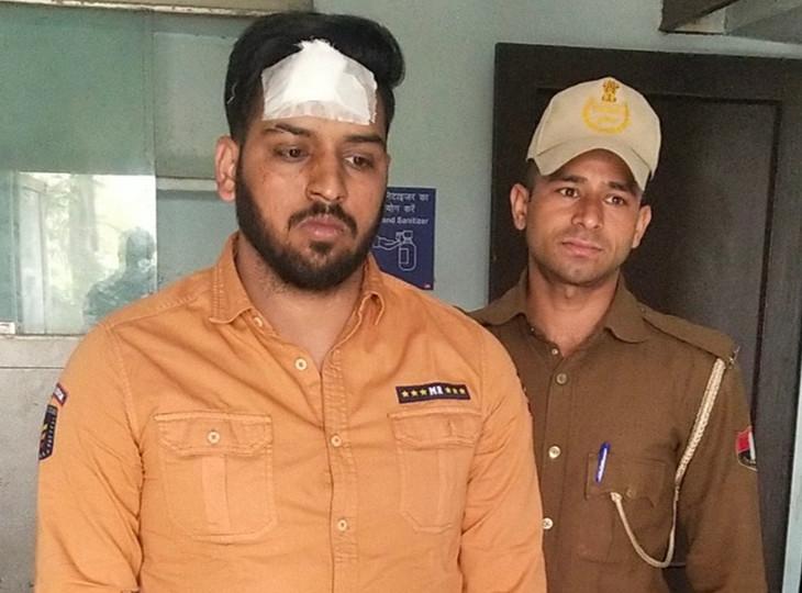 विधायकपुरी थाना पुलिस की गिरफ्त में आए रोमिक ने कहा कि लाइसेंस नहीं होने से वह घबरा गया था। इसलिए बचने के लिए गाड़ी दौड़ाता रहा।