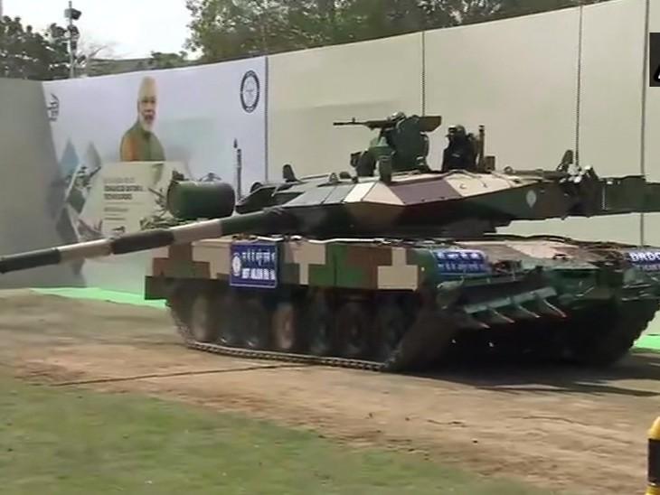 यही अर्जुन टैंक है। इसे DRDO ने तैयार किया है।