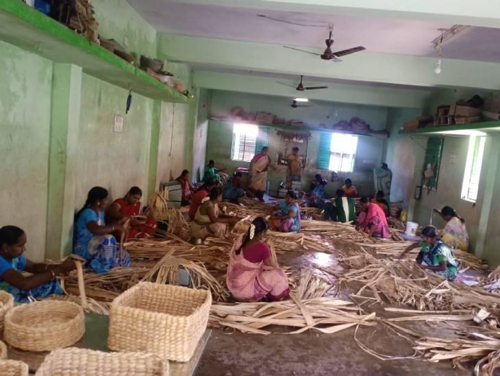 इस काम के जरिए मुरुगेसन ने सौ से ज्यादा महिलाओं को रोजगार दिया है।