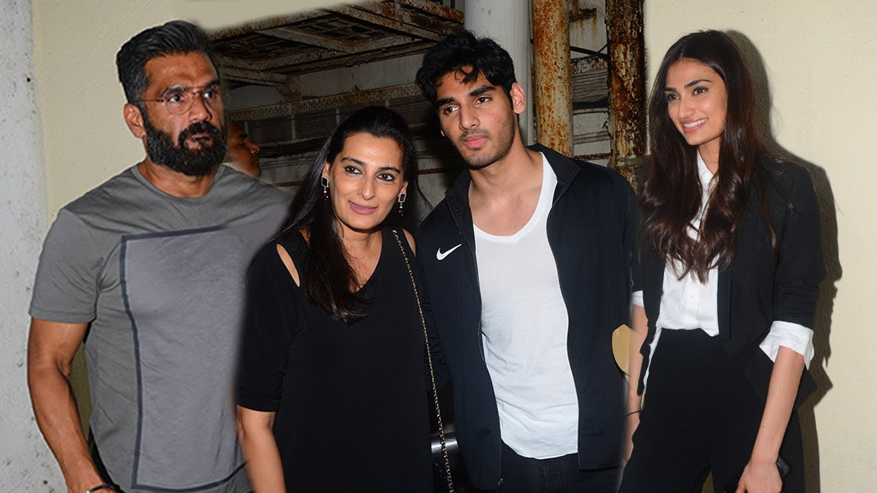 Sunil Shetty with wife Maana, son Ahaan and daughter Athiya.