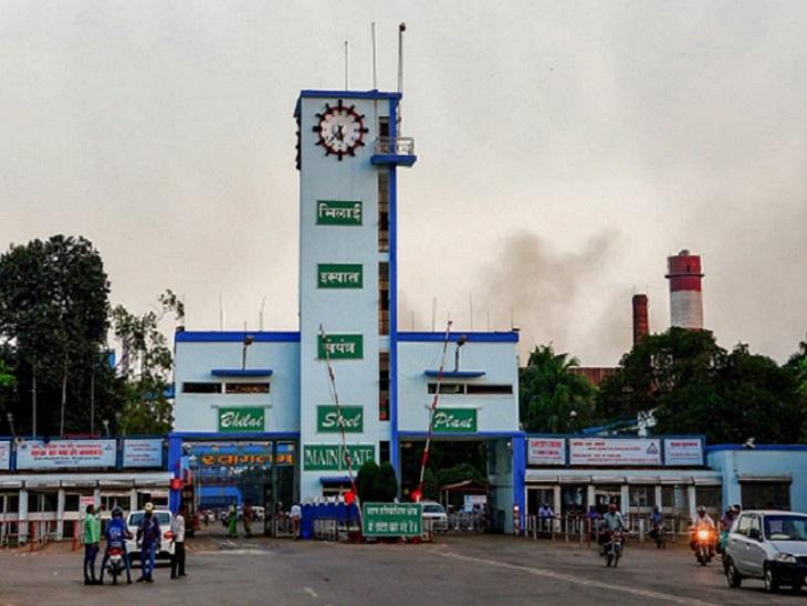 BSP में 50 मीटर के दायरे में खिड़कियों के कांच, कंप्यूटर टूटे; 150 मीटर दूर तक सुनाई दी धमाके की आवाज|छत्तीसगढ़,Chhattisgarh - Dainik Bhaskar