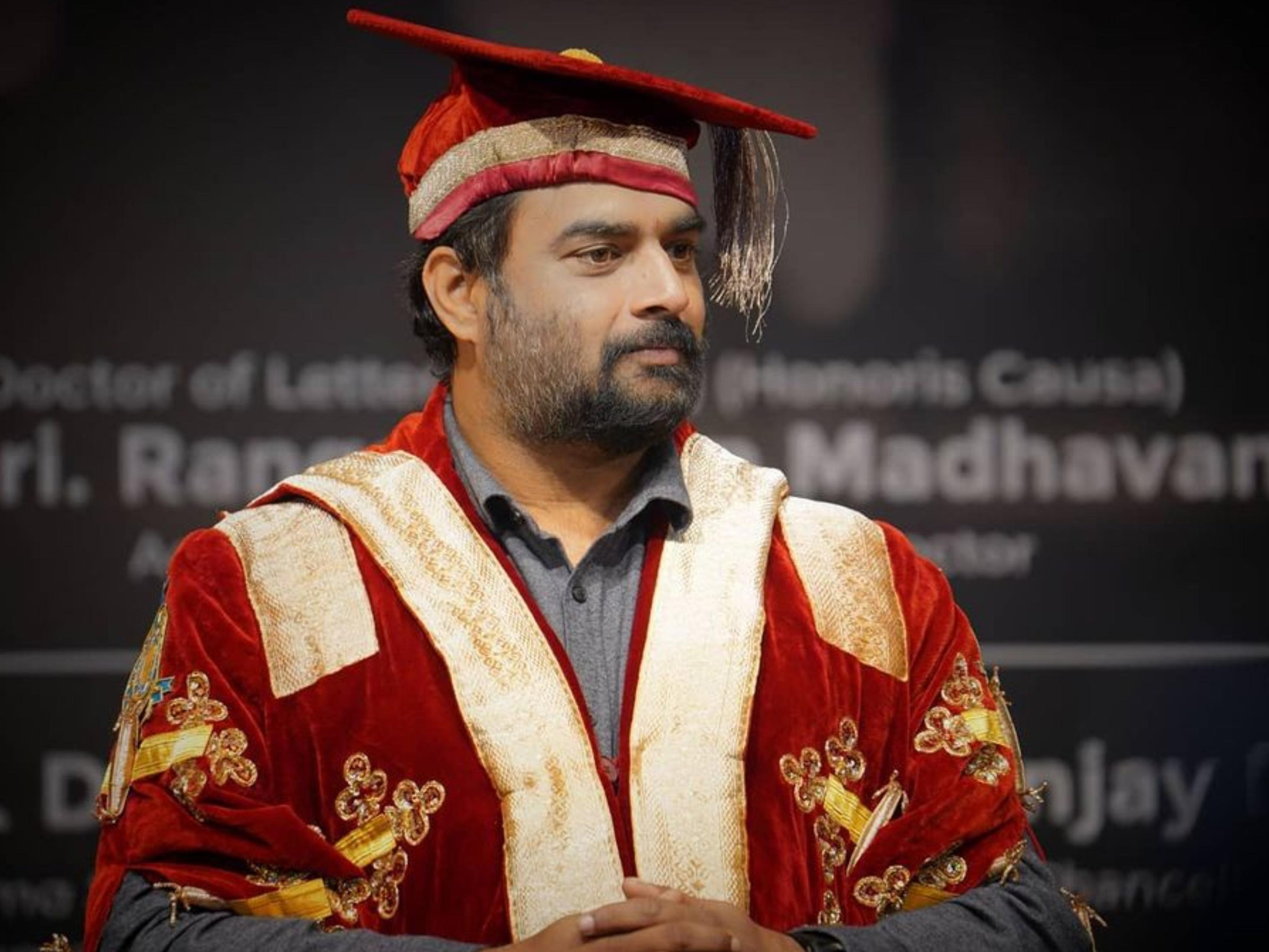 50 साल के आर माधवन को मिली डी लिट की डिग्री, कभी आर्मी में जाना चाहते थे लेकिन 6 महीने उम्र कम निकली थी|बॉलीवुड,Bollywood - Dainik Bhaskar
