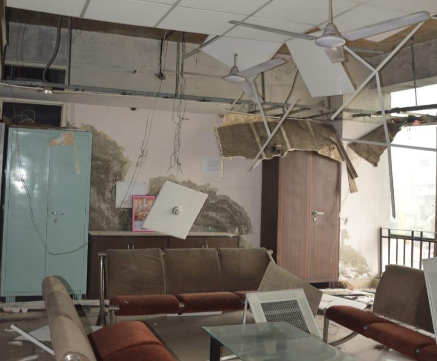 नगर निगम के पार्षद हॉल की सीलिंग गिरी और मच गया छत गिरने का शोर जालंधर,Jalandhar - Dainik Bhaskar