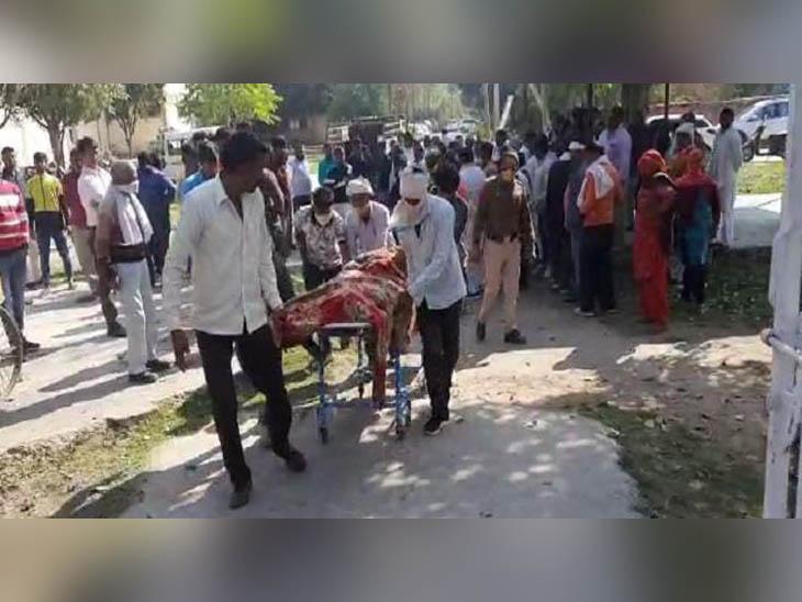 लापरवाही बनी जानलेवा: राजस्थान से मुजफ्फरनगर जा रहा टैंपो झज्जर में खड़े ट्रक से टकराया, कंडक्टर की मौत; ड्राइवरअस्पताल में भर्ती