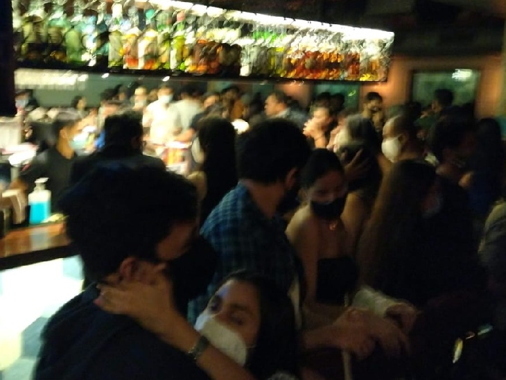 BMC action: Raids in 5 pubs of Bandra area regarding Corona, warning customers and instructing to put on masks Funny Jokes