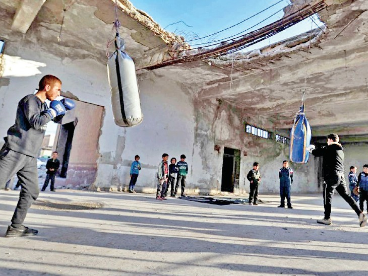 Syrian deteriorating conditions do not dominate the minds of children, so it has been started to teach them boxing.