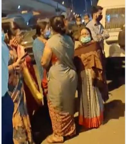 2 दिन बाद भी FIR नहीं हुई; बिल्डर के खिलाफ देर रात महिलाओं तक को थाने में बैठना पड़ा, पुलिस का तर्क जांच के बाद कार्रवाई होगी भोपाल,Bhopal - Dainik Bhaskar