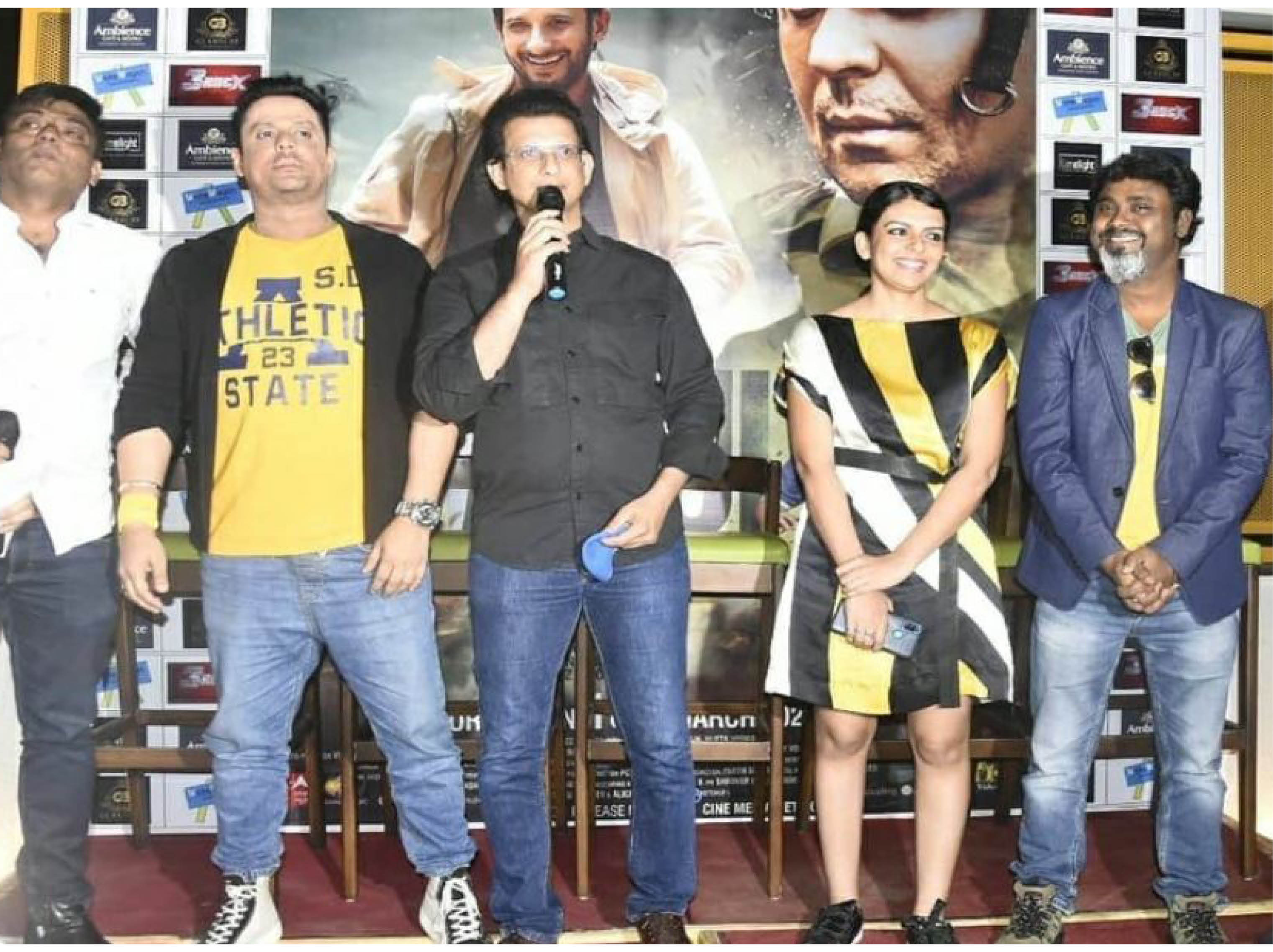 पुलवामा आतंकी हमले पर बनी है फिल्म 'फौजी कॉलिंग', फौजी पिता का इंतजार करती छोटी बच्ची की कहानी|भोपाल,Bhopal - Dainik Bhaskar