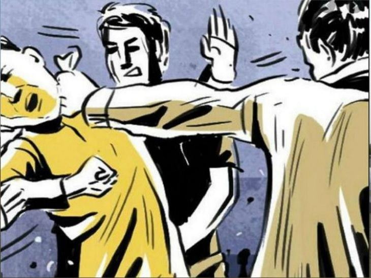 भिलाई में बाइक सवार को मदद के लिए महिला ने रोका, फिर साथी के साथ लात-घूंसों से पीटा और रुपए छीनकर भाग निकले छत्तीसगढ़,Chhattisgarh - Dainik Bhaskar