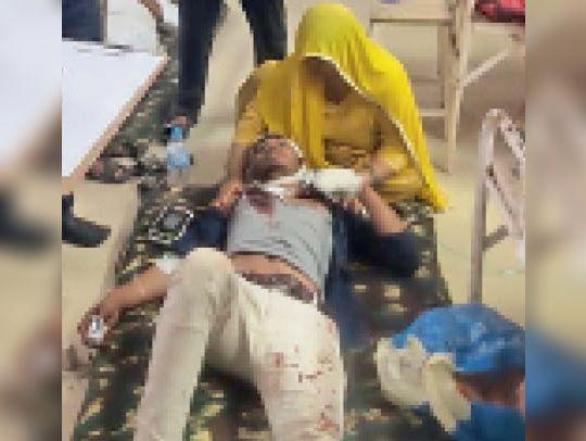 कहारवाड़ी में दो पक्षों के बीच खूनी संघर्ष, 7 लोग घायल, 1 इंदौर रैफर|खंडवा,Khandwa - Dainik Bhaskar
