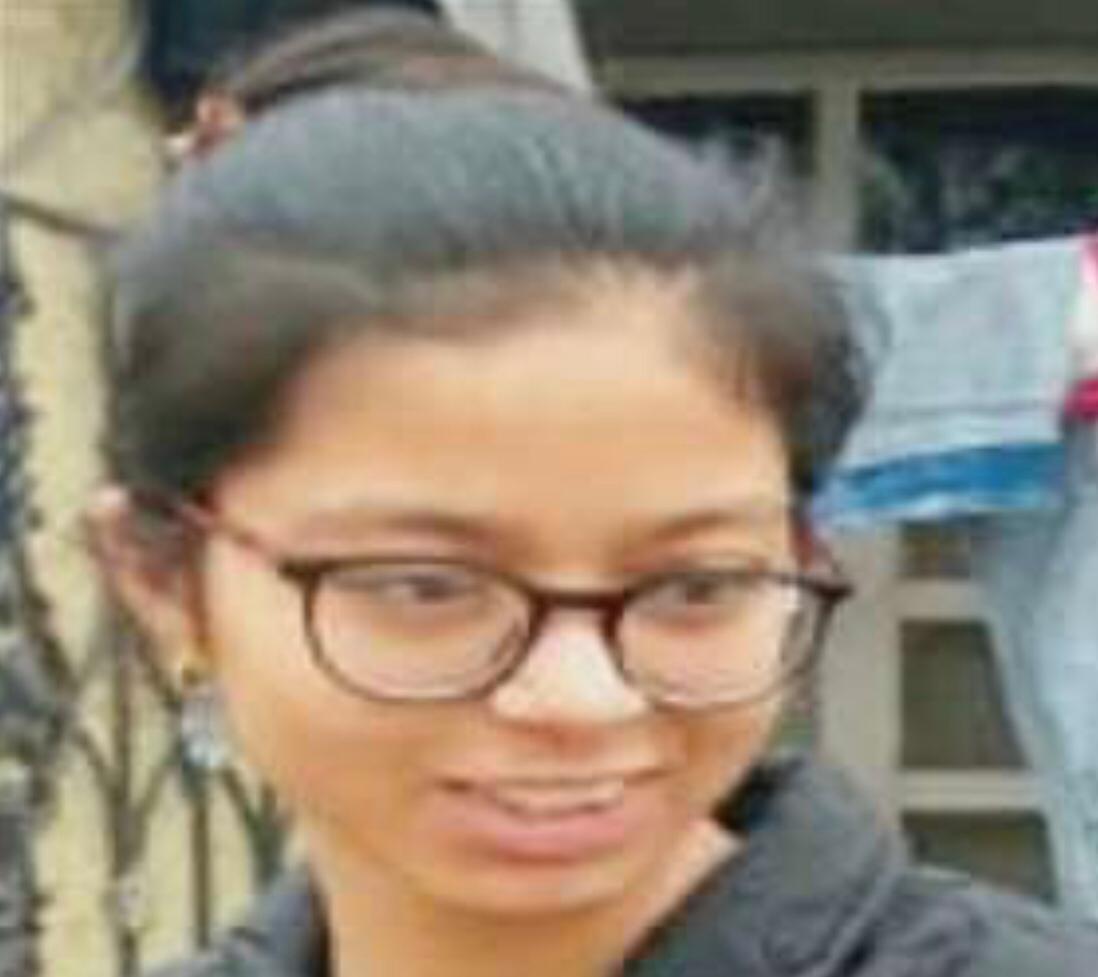 मृतक छात्रा अल्पना का फाइल फोटो। - Dainik Bhaskar