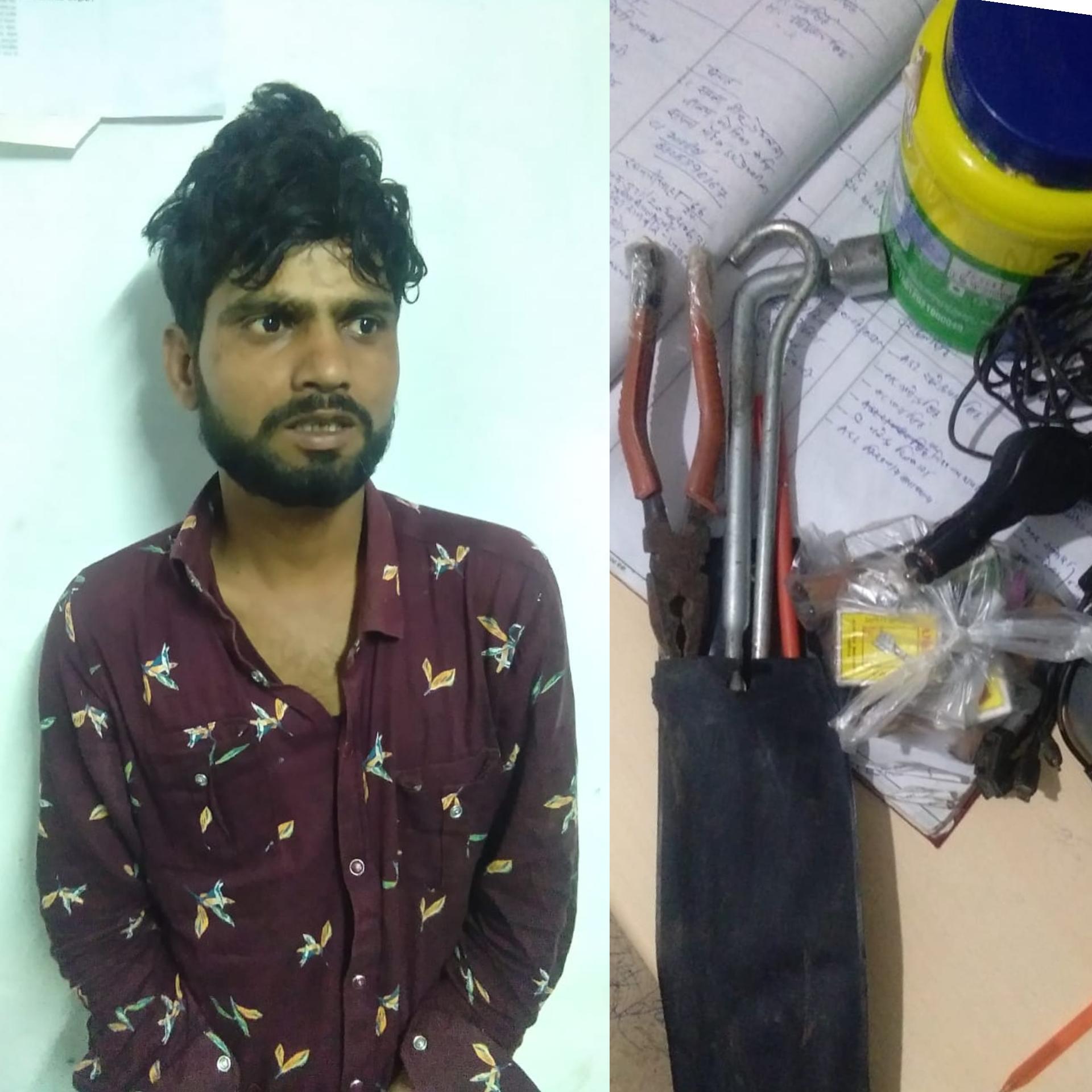 ATM मशीन को तोड़कर रहा था वारदात का प्रयास, समय पर पहुंची पुलिस, पकड़ा बदमाश|ग्वालियर,Gwalior - Dainik Bhaskar