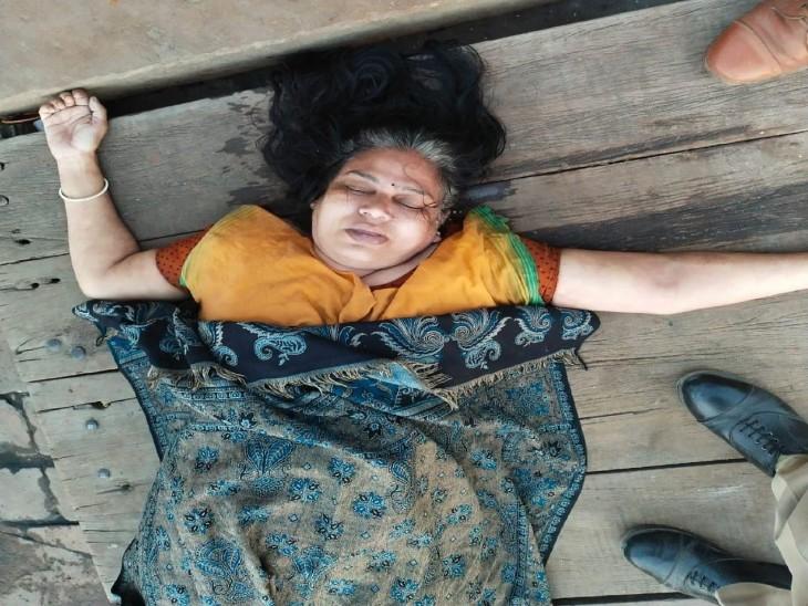 वाराणसी: मध्य प्रदेश खंडवा की रहने वाली महिला ने गंगा में डूब कर किया आत्महत्या, एंड्राइड नोट में लिखा मेरा सामान प्रवाहित कर देना