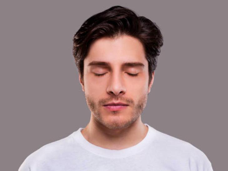 जब कोई बात याद न आए तो आंखें बंद करके याद करने की कोशिश करें, मेमोरी में 23% इजाफा होता है|लाइफ & साइंस,Happy Life - Dainik Bhaskar