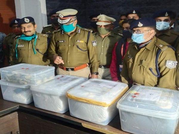 साथियों के गिरफ्त में आते ही बेटी के घर बनारस भागा था आरोपी, स्टेशन पर फेंक दी थी सिम, 900 रु. प्रति ग्राम ड्रग्स खरीद 1400 में बेचता था|इंदौर,Indore - Dainik Bhaskar
