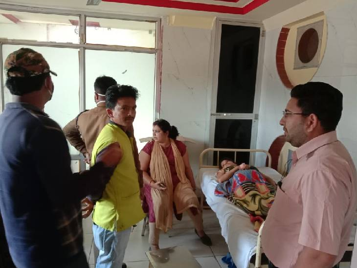 डिलीवरी के बाद पति अस्पताल पहुंचा, पत्नी से कहा- तुमने लड़की क्यों पैदा की; डिस्चार्ज हो जाओ फिर जिंदा नहीं छोड़ूंगा|सागर,Sagar - Dainik Bhaskar