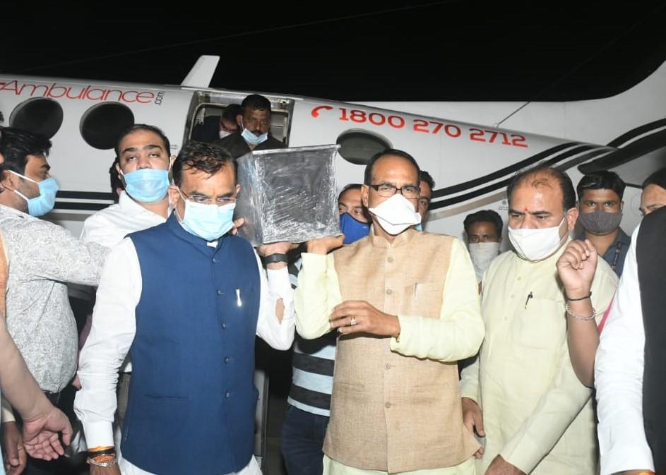 BJP प्रदेश कार्यालय में अंतिम दर्शन के लिए लाया गया, अंतिम संस्कार बुरहानपुर स्थित उनके गृह ग्राम शाहपुर में होगा इंदौर,Indore - Dainik Bhaskar