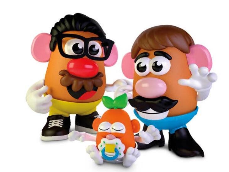 लैंगिक भेदभाव मिटाने का प्रयास: अमेरिकी खिलौने बनाने वाली कंपनी मिस्टर पोटैटो से हटाए गए 'मिस्टर', लोगों ने की इसका नाम से 'ब्रो' शब्द हटाने की मांग की।
