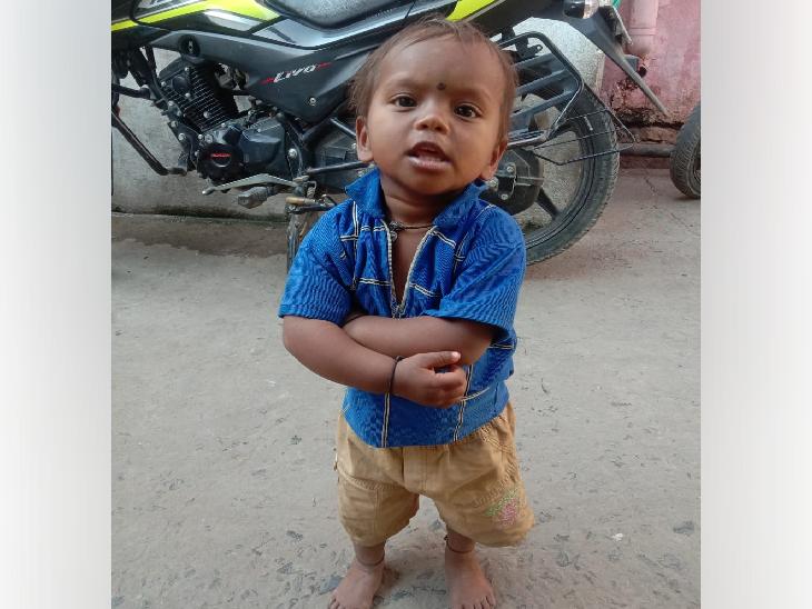 उज्जैन में घर के बाहर पानी भरे टब में डूबने से दो साल की बच्ची की मौत,घटना के समय पिता घर में सो रहा था और मां कामकाज निपटा रही थी|उज्जैन,Ujjain - Dainik Bhaskar