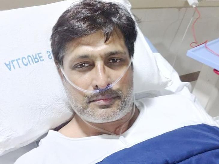 अस्पताल में भर्ती अधिकारी: कोरोना से लड़ते हुए 53 साल के सलिल अंकोला को वेंटिलेटर पर रखना पड़ा था, बोले- यह बहुत ही जटिल है।
