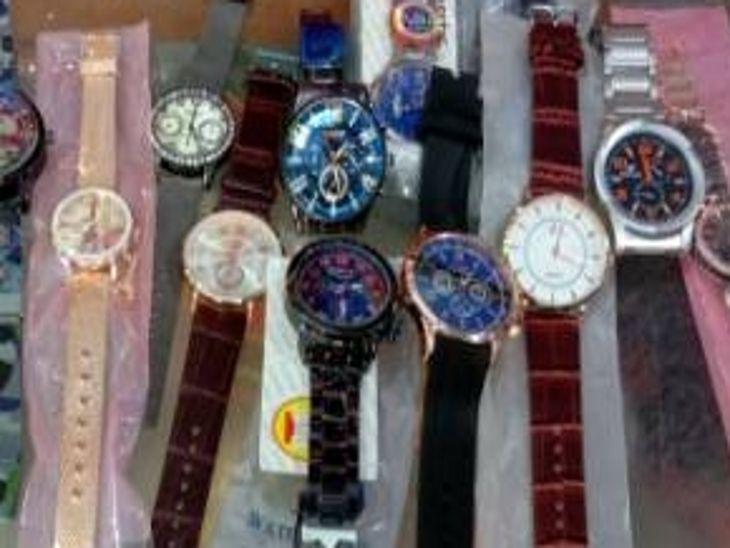 पुलिस को दबिश में मिली 20 लाख रुपए की 1036 डुप्लीकेट घड़ियां, ब्रांडेड कंपनी का बताकर बेच रहे थे नकली माल इंदौर,Indore - Dainik Bhaskar