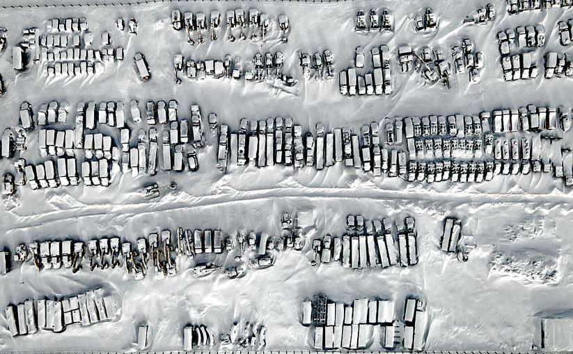 माइनस 50 डिग्री पर फ्रोजन सिटी: रूस के वोरकुता शहर का 2013 से खाली पड़ा ये इलाका जमा, सुनसान पड़ी इमारतों में सिर्फ बर्फ ही बर्फ