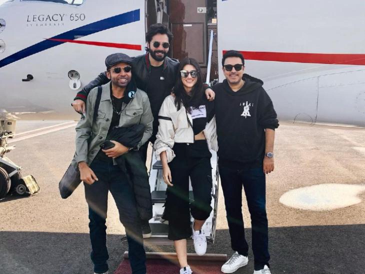 बॉलीवुड ब्रीफ: 'भेड़िया' की शूटिंग के लिए अरुणाचल प्रदेश पहुंचे वरुण और कृति, आमिर ने अपने नए गाने के लिए खुद डिजाइन किया अपना लुक