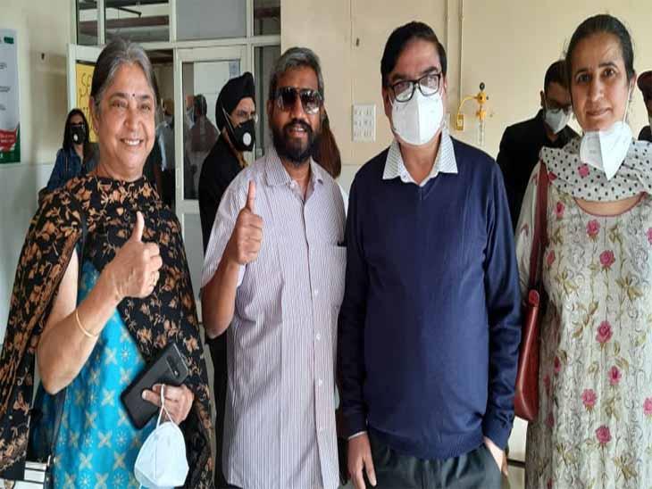 चंडीगढ़ में वैक्सीन डोज प्रति लोगों में जागरूकता बढ़ी, टीका लगवाने वालों की संख्या बढ़ने से 4 नए टीकाकरण सेंटर खोले गए|चंडीगढ़,Chandigarh - Dainik Bhaskar