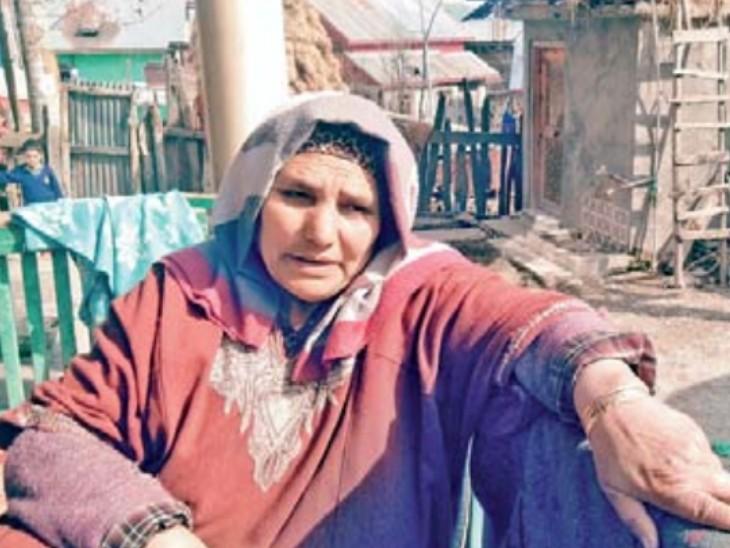 60 वर्षीय जाना बेगम ने 1993 में पति को खाे दिया था। उन्होंने अपने भाई की मदद से बेटे को पढ़ाया और अब उनका बेटा सरकारी नौकरी कर रहा है। - Dainik Bhaskar