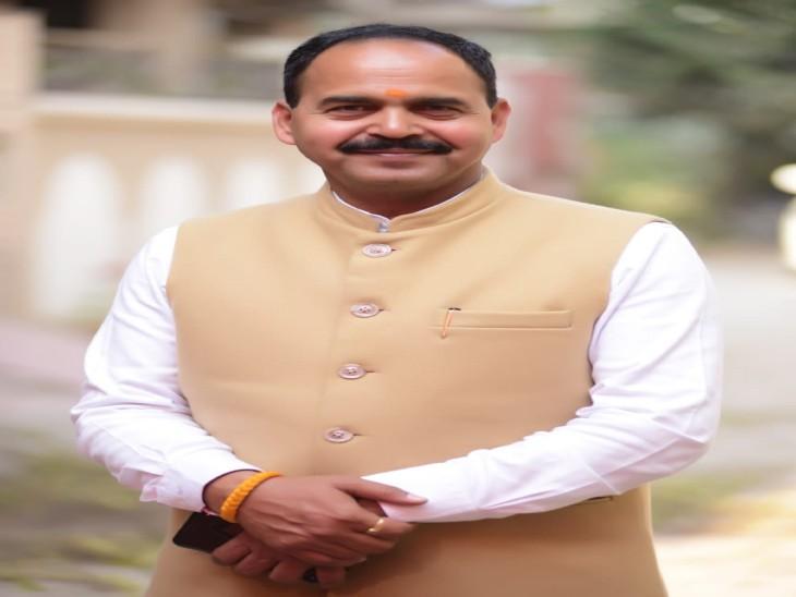भाजपा नेता की धमकी- 'मेरे घर कोई कांग्रेसी आया तो वह आएगा अपने पैरों पर, लेकिन उठाकर ले जाना पड़ेगा'|चंडीगढ़,Chandigarh - Dainik Bhaskar