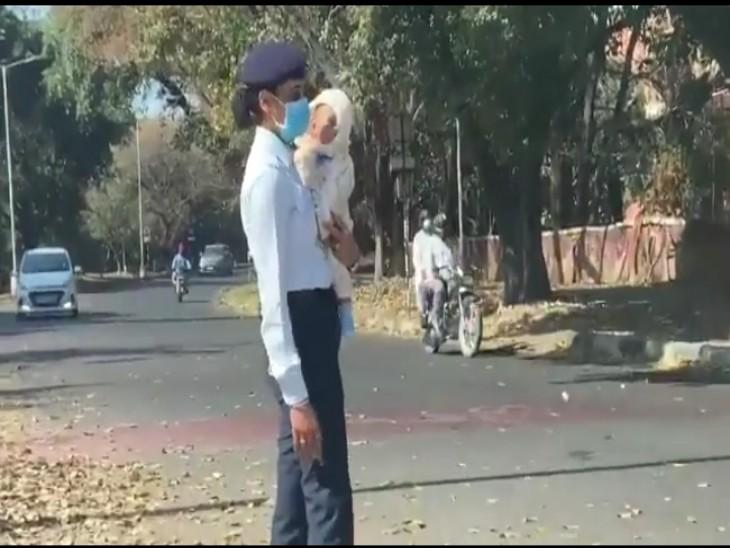 कांस्टेबल प्रियंका के खिलाफ विभागीय जांच के आदेश, वीडियो वायरल होने के बाद विभाग ने लिया एक्शन|चंडीगढ़,Chandigarh - Dainik Bhaskar