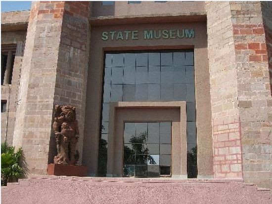 महिला दिवस पर प्रदेश भर के स्मारक और संग्रहालय महिलाओं को फ्री एंट्री ; प्रवेश और घूमने पर नहीं लेना होगा टिकट|मध्य प्रदेश,Madhya Pradesh - Dainik Bhaskar