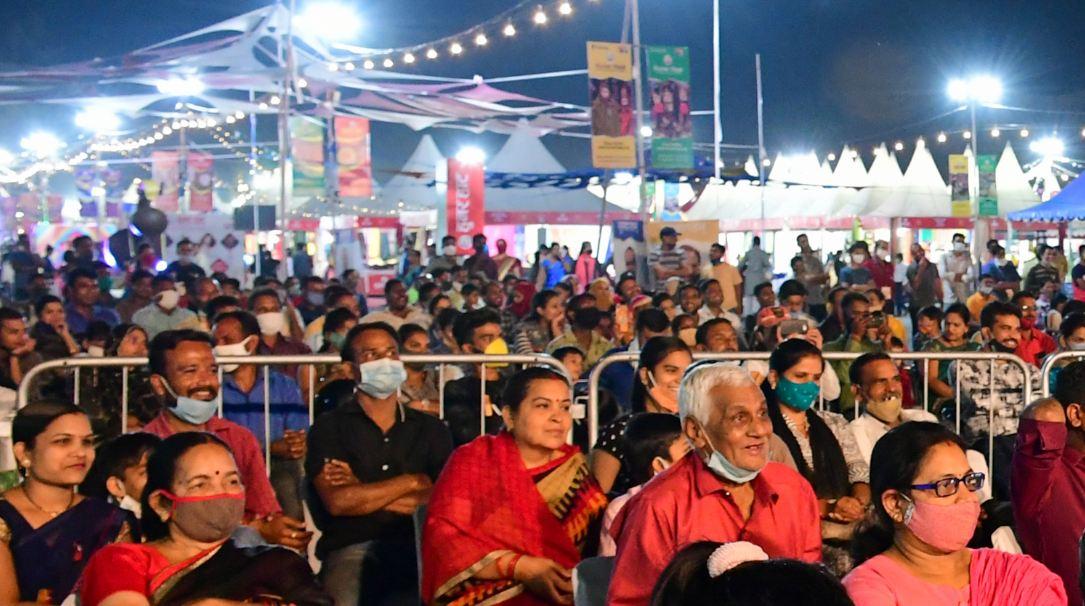 होम आईसोलेशन में रहने वाले कोरोना संक्रमित की देखभाल की जिम्मेदार सोसाइटी के अध्यक्ष और सचिव की; जरूरी सेवाओं को छोड़ सबकुछ रात 10 बजे तक बंद होगा|भोपाल,Bhopal - Dainik Bhaskar